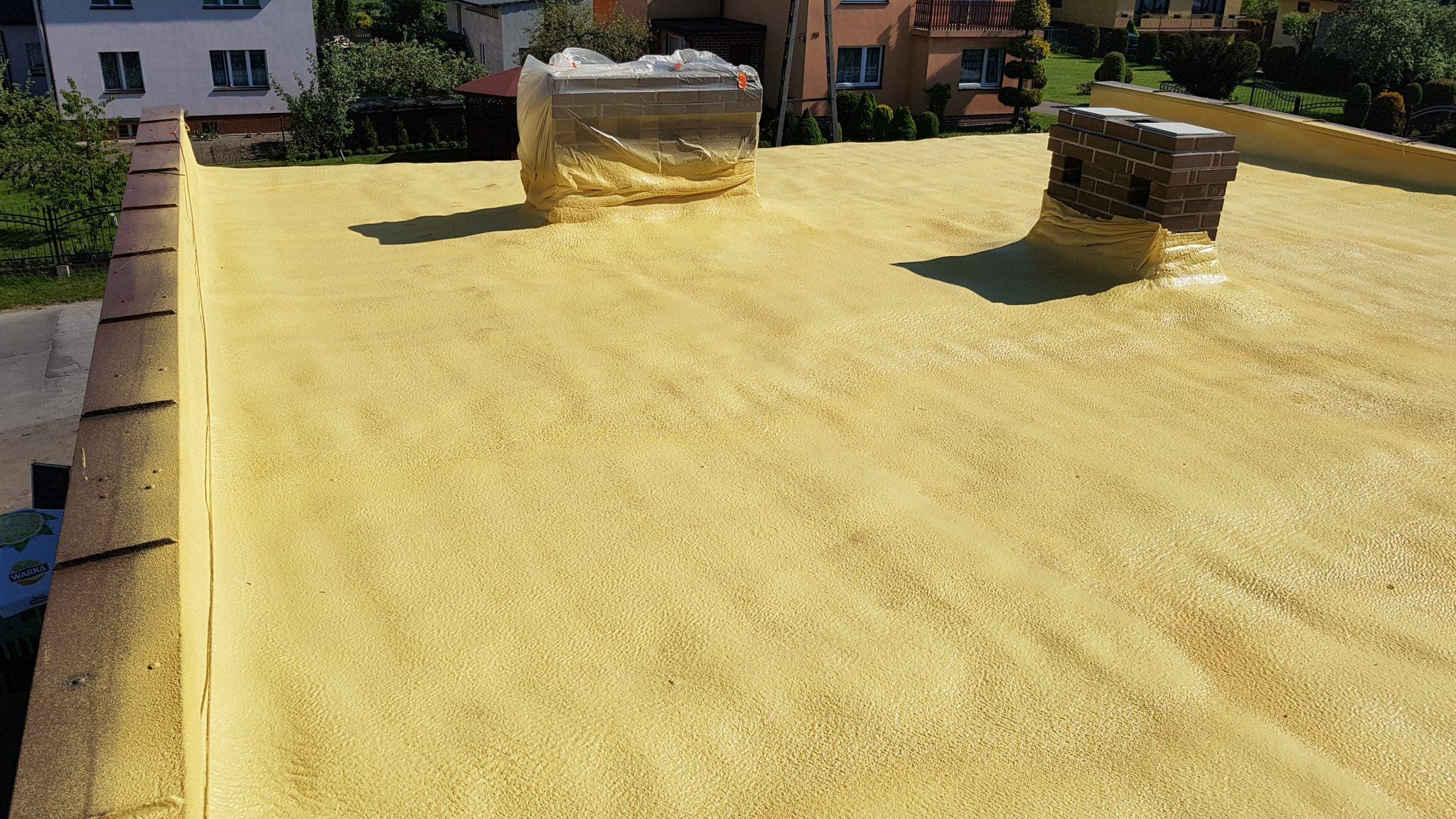 Docieplenie dachu pianką dla domu