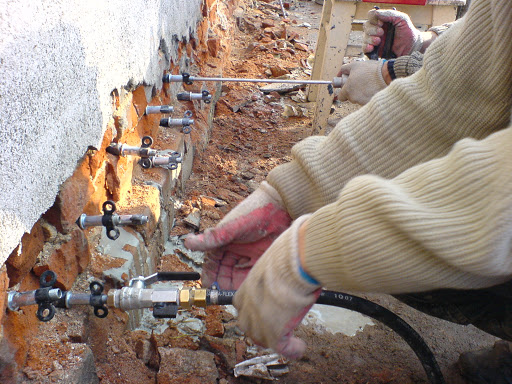 Osuszanie ścian metodą iniekcji ciśnieniowej